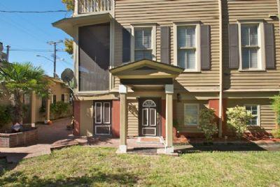1041: Hidden Treasure off Forsyth - Image 1 - Savannah - rentals