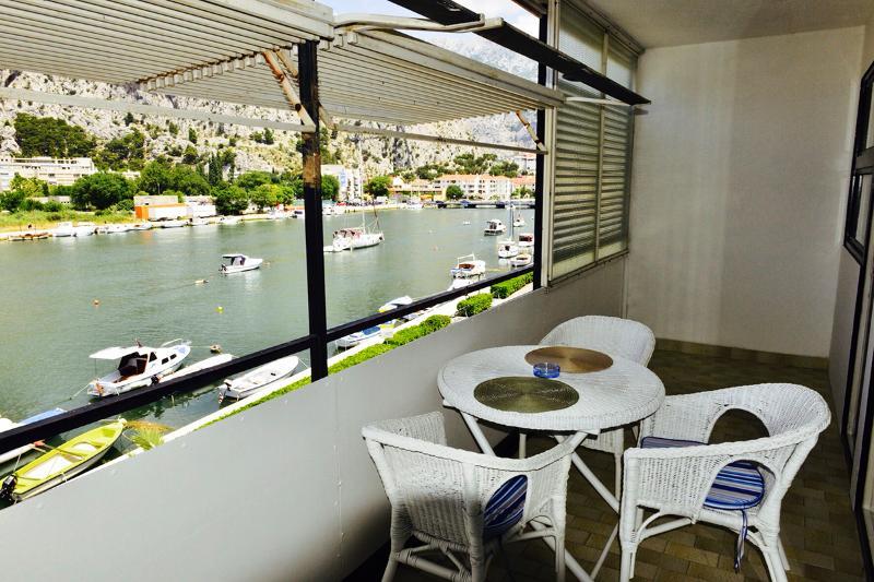 Apartment Ivana - 44151-A1 - Image 1 - Omis - rentals