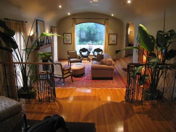 Hollywood Hills 3 Bedroom 3 1/2 Bathroom (3345) - Image 1 - Los Angeles - rentals