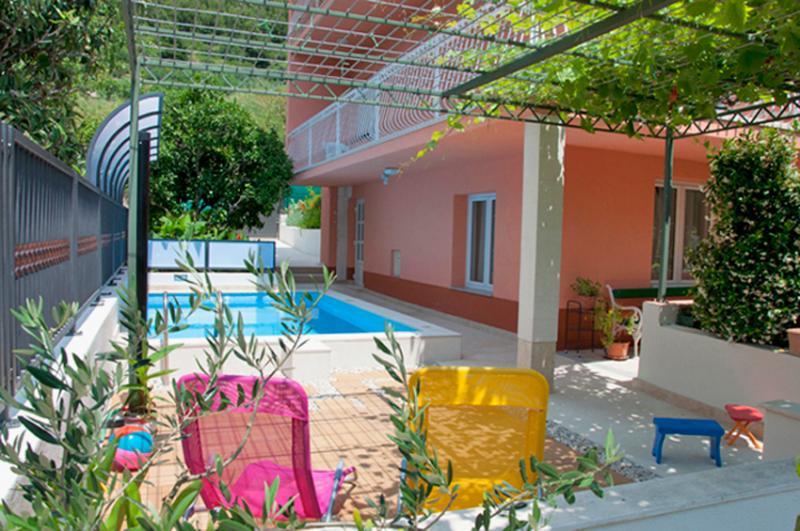 pool - Stylish Apartment in Marjan Park - Split - rentals
