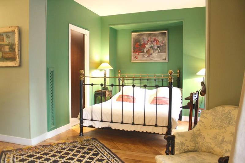 Bedroom - parisbeapartofit - Rue de Rivoli Tuileries (1327) - Paris - rentals