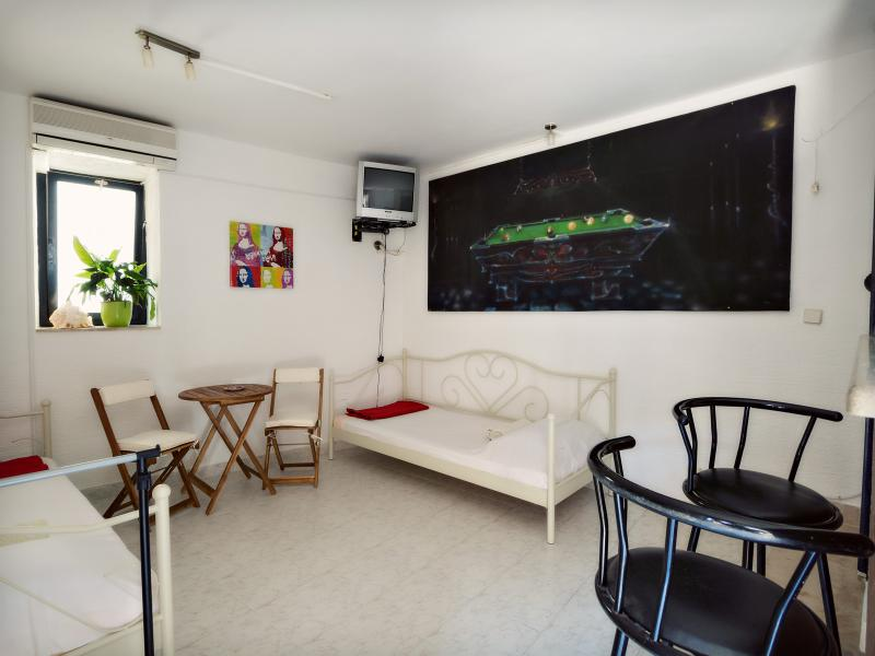 Small apartment Gorica in the old town - Image 1 - Sibenik - rentals