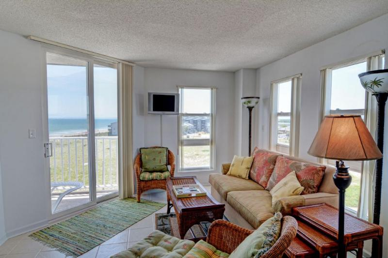 Living Area - St. Regis 1401 -1BR_6 - North Topsail Beach - rentals