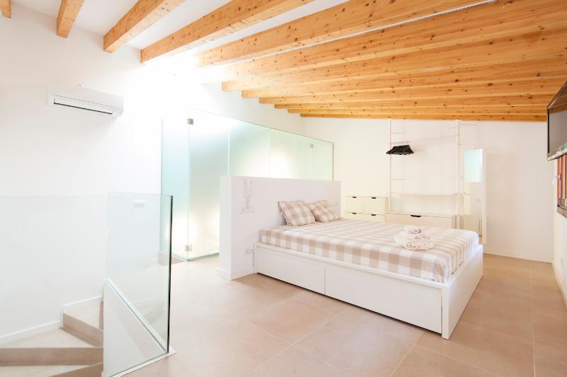 MODERN DUPLEX APARTMENT - Image 1 - Palma de Mallorca - rentals