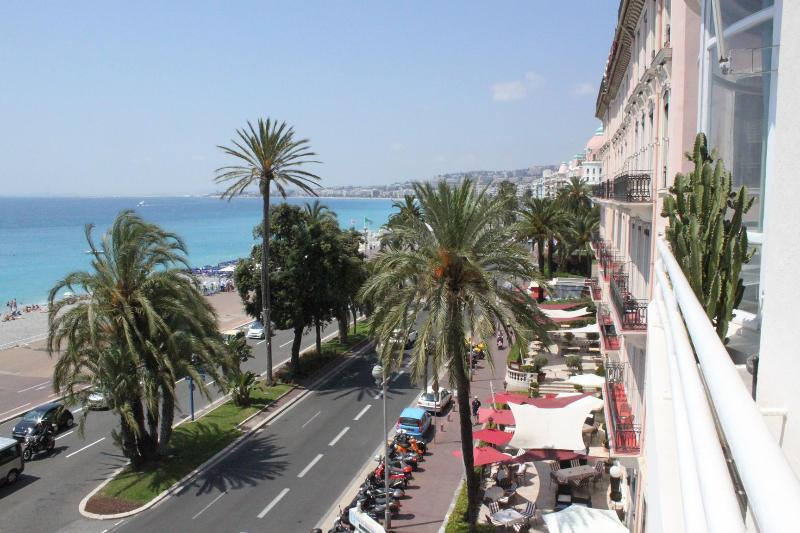 Luxurious 2 Bedroom Apartment Royal, 25 Promenade - Image 1 - Nice - rentals