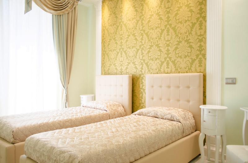 Peruzzi double bedroom at Impero Vaticano B&B - Image 1 - Rome - rentals
