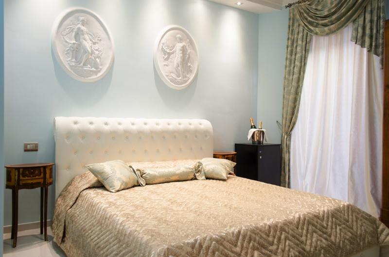 Elegant Suite at Impero Vaticano B&B(Vatican area) - Image 1 - Rome - rentals