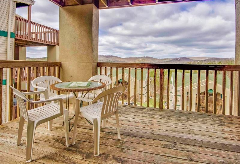 Branson Condo Rental | Eagles Nest | Indian Point | Silver Dollar City | Few Steps (3010603) - Image 1 - Branson - rentals