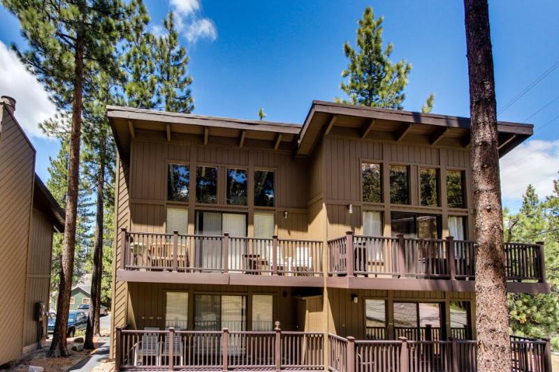 Well-decorated & modern home close to ski and lake access awaits! - Image 1 - South Lake Tahoe - rentals