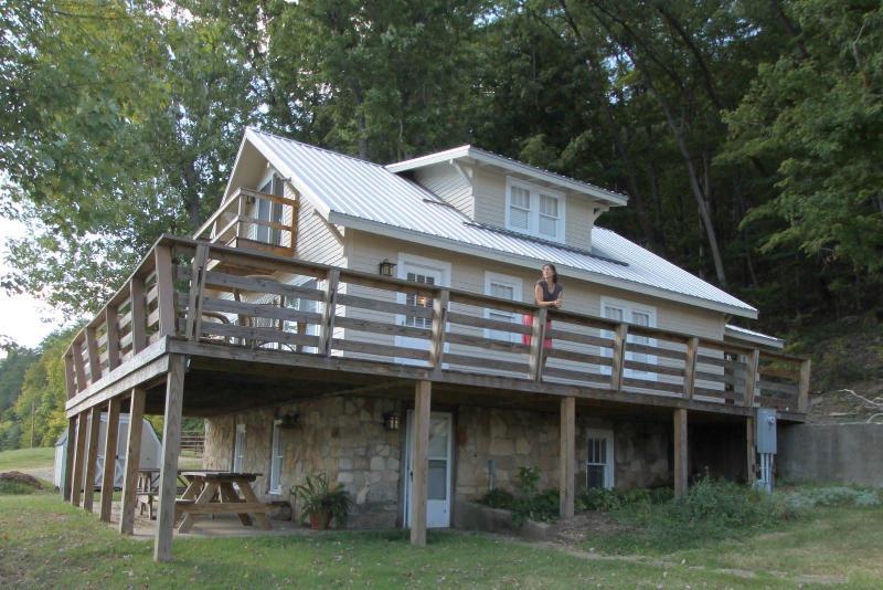 Large Wrap around Deck - Right on the Ohio River - Leavenworth - rentals