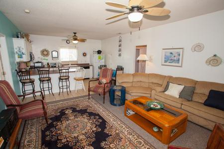 living area - annual rental property - Virginia Beach - rentals