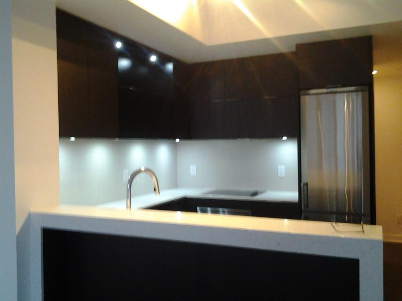 Kitchen - 1BR Condo in Downtown Toronto - Toronto - rentals