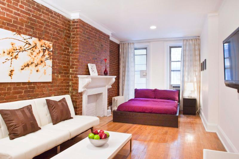 Renovated Studio  Minutes Away From Grand Cent - Image 1 - New York City - rentals