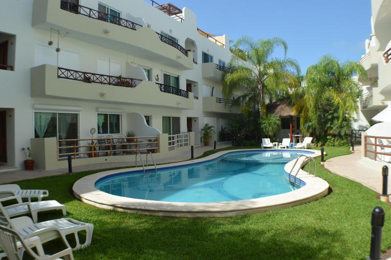 Downtown, Walk to Beach, Wi-fi, Pool, Great Value - Image 1 - Playa del Carmen - rentals
