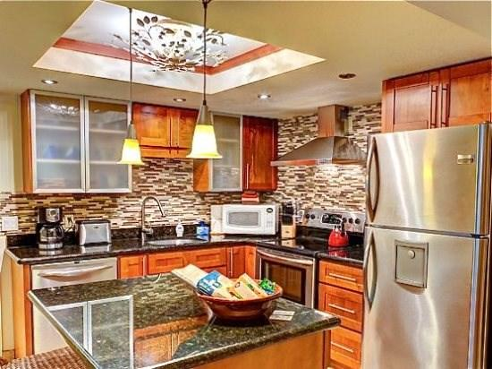 updated fully equipped kitchen - Maui Banyan 2 bd suite  *Sept/Oct low rates* - Kihei - rentals