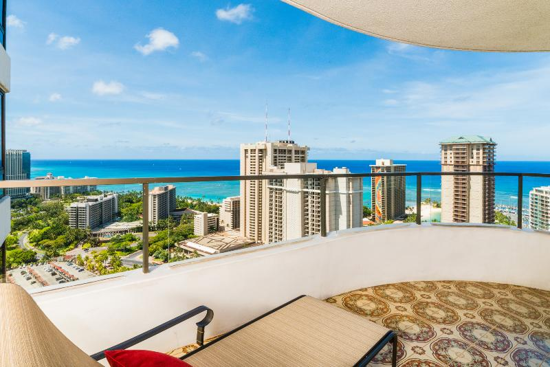 2bed/2bath Waikiki Vacation Rental at Canterbury Place - Image 1 - Honolulu - rentals