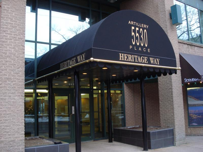 Entry to secure well maintained condo complex - Classy Downtown Halifax Urban Condo - Halifax - rentals