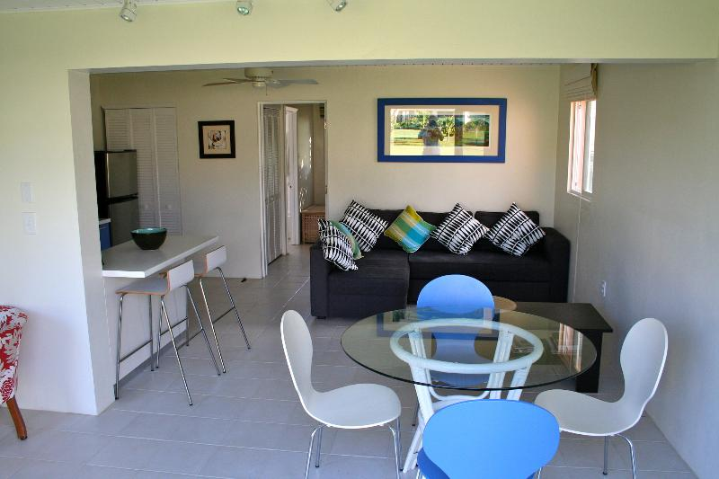 Dining & Living - Paradise 1 bed Condo - Basseterre - rentals