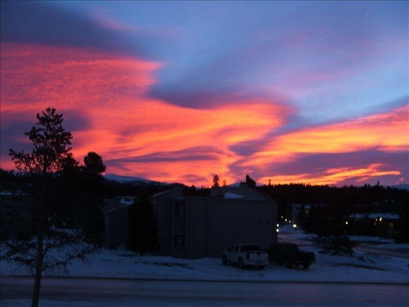 Sunset from the deck - Cozy mountain condo, perfect for 1 or 2 families! - Fraser - rentals