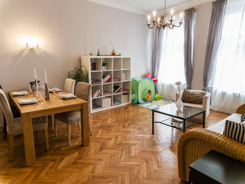 The living room, with kids corner for the young ones in your group. - Beautiful apt 150m from Old Town Sq for 2-6 w/balc - Prague - rentals