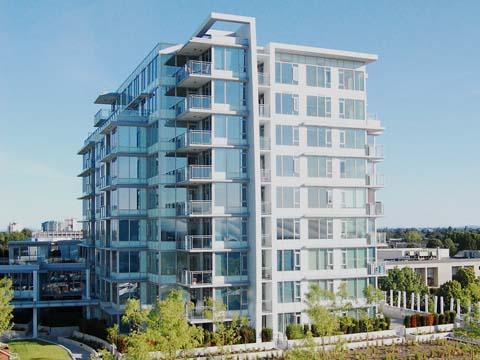 Condo building - Luxurious 1 Bedroom Condo with Air Conditioning - Vancouver - rentals