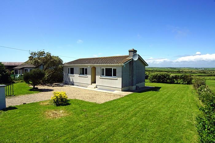3brm cottage on the coast road, just 5 mins walk to one of 10 local beaches - Beach cottage, Fethard on Sea, Co. Wexford - Fethard On Sea - rentals
