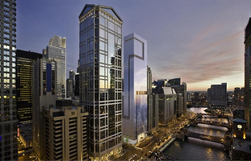NEW! SLEEK River Skyscraper in Chicago Loop! - Image 1 - Chicago - rentals