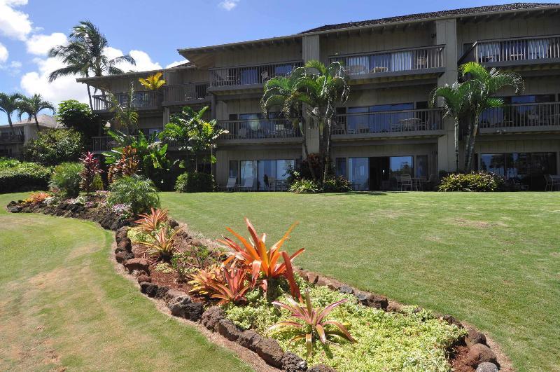 Ground floor, beachfront - Closest to the beach, ground floor. Lae nani 514 - Kapaa - rentals
