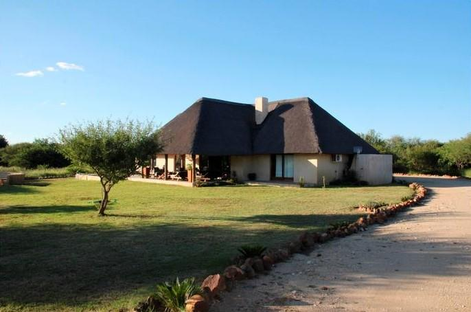 Front/Side View - Hoedspruit Holiday Home In Wildlife Estate 17 - Hoedspruit - rentals