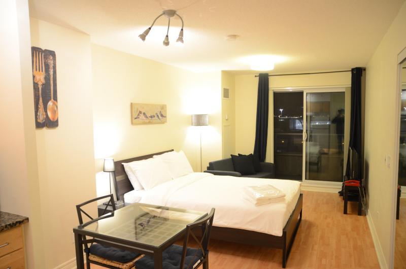 Bedroom - Scarborough Centre Luxury Business Suite (Studio) - Toronto - rentals