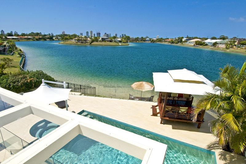 View from balcony and three bedrooms over the lake - Broadbeach Waterfront  Luxury Beach house - Broadbeach - rentals