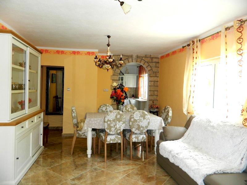 Apartments Ljiljana - 10451-A1 - Image 1 - Rogoznica - rentals