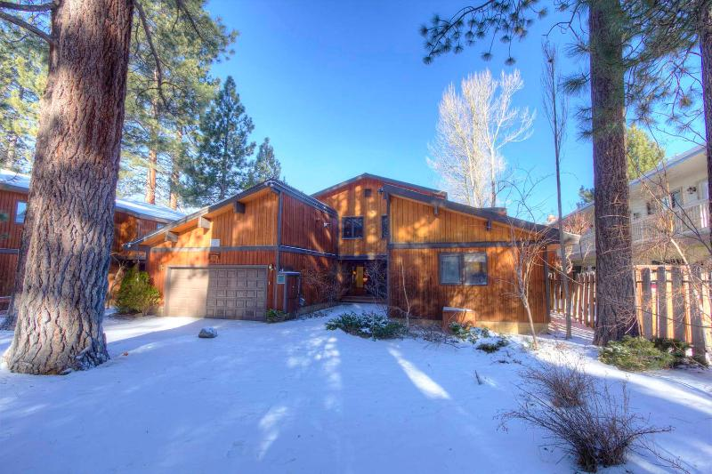 Large Lakefront Home with Hot Tub Sleeps 14 ~ RA732 - Image 1 - South Lake Tahoe - rentals