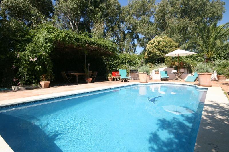 4 bed villa, Calahonda - 982 - Image 1 - Sitio de Calahonda - rentals