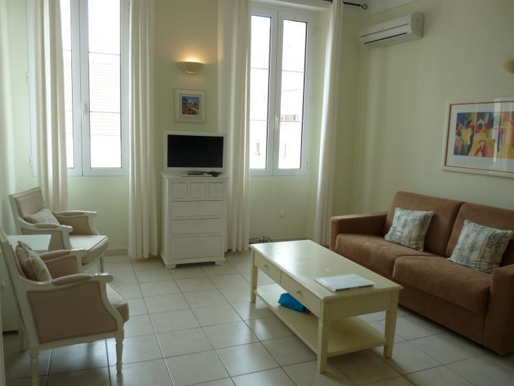 Godiva- Great 1 Bedroom Cannes Vacation Rental - Image 1 - Cannes - rentals
