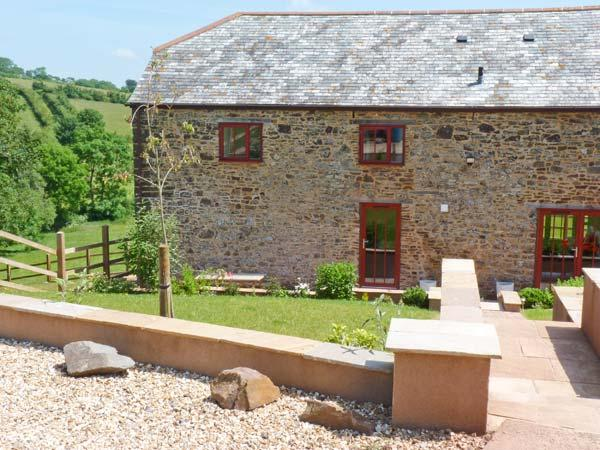 LAKE VIEW, quality cottage in country setting, fishing, views, superb - Image 1 - Crediton - rentals