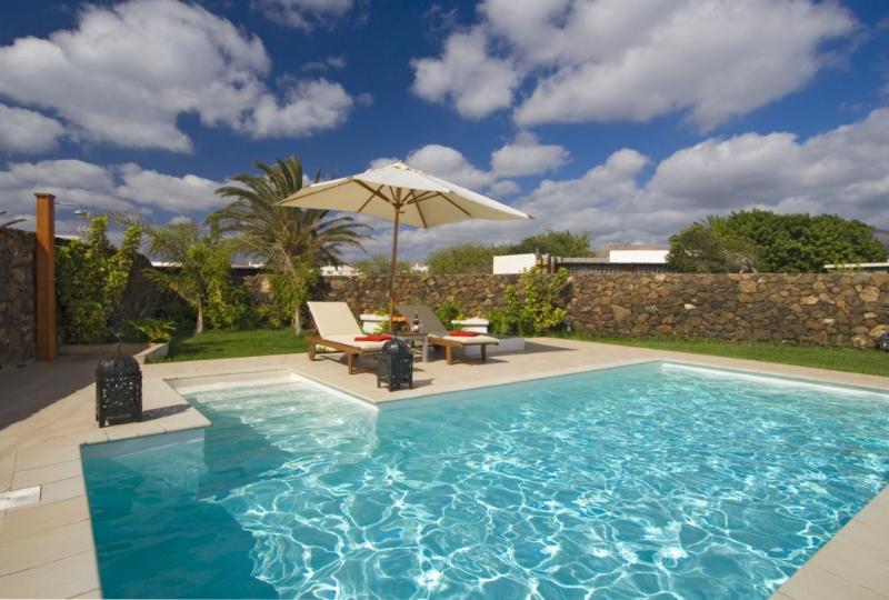Villa LVC238104 - Image 1 - Puerto Del Carmen - rentals
