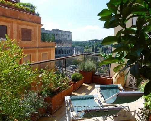 Lounge on the spacious terrace with a view of a lifetime. - Perfect ExpansiveTerrace With Dramatic, Timeless Coliseum Views- Magnifico - Rome - rentals