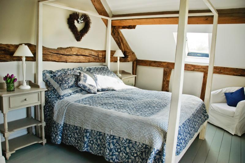 Bleu Gris bedroom - Holling Grange, Bleu Gris - Ewyas Harold - rentals