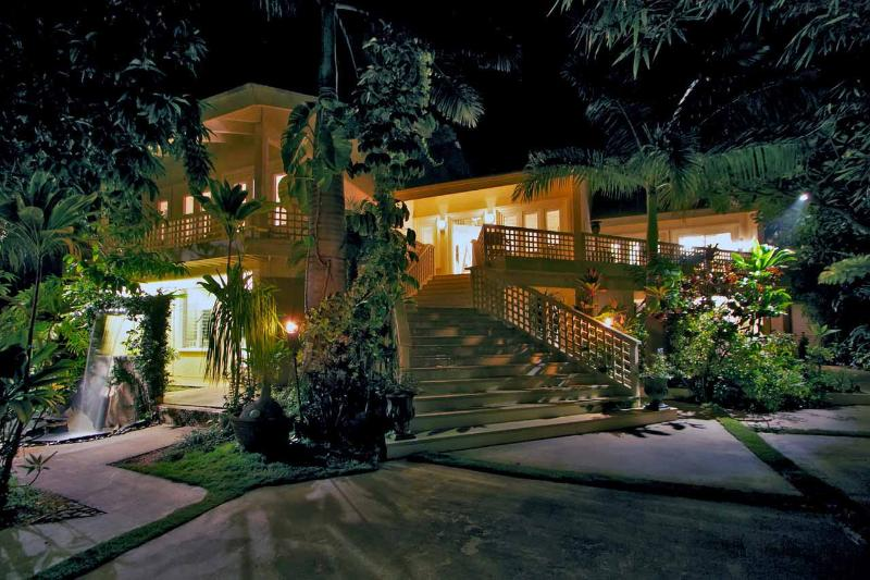 Wailea Inn Main Entrance - Luxury Villa Steps From The Beach - Kihei - rentals