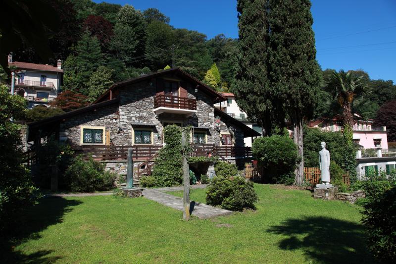 garden - cosy apartment in Stresa in stone built chalet - Stresa - rentals