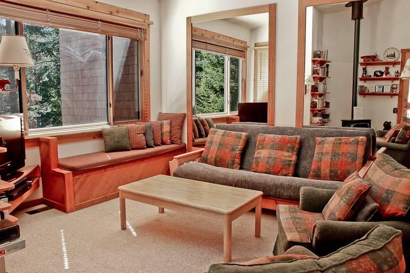 Northstar Ski Trail condo one king bdrm w/loft, slps 6 - Image 1 - Truckee - rentals