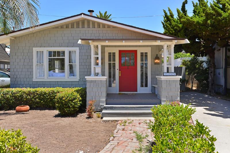 Cove Cottage, steps to the Village - Cove Cottage, In the heart of the Village - La Jolla - rentals