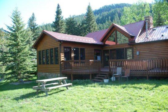 View of back of cabin - Black Bear Lodge - Spearfish - rentals
