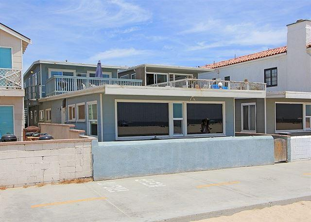 Upper Level Beach House on The Boardwalk! Great Views! (68148) - Image 1 - Newport Beach - rentals