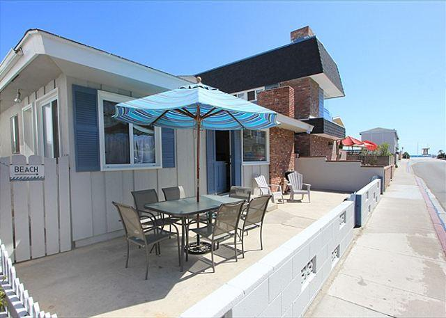 Great 3 Bedroom Single Family Home! Just 4 Houses From Beach! (68195) - Image 1 - Newport Beach - rentals