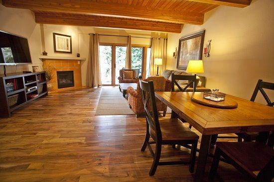 Spacious Living Area - Dining Area With Seating For 6 - Riverside A 01 - 2 Bd / 2 Ba - Sleeps 6 - Deluxe Condo - Ideal Central Town of Telluride Location! Ideal Winter or Summer Rental - Telluride - rentals