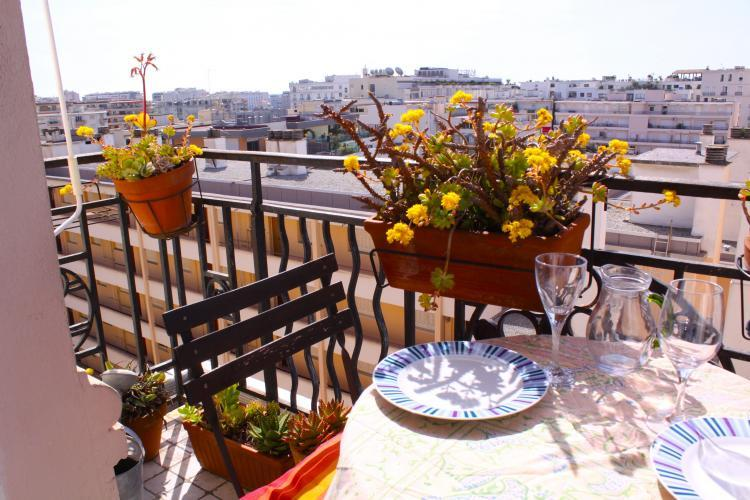 Ferrie Apartment Rental with Great Views from the Balcony - Image 1 - Cannes - rentals