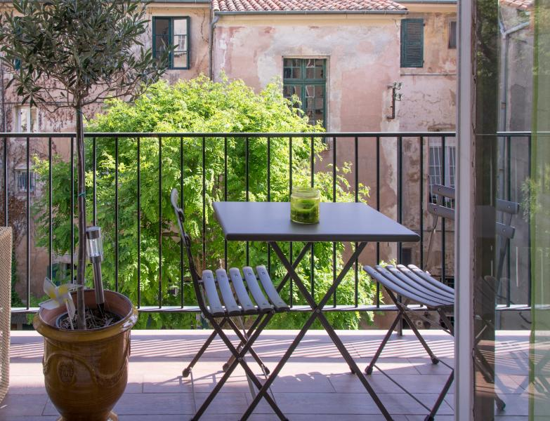 Historical centre Aix -Spacious Light Apartment - Image 1 - Aix-en-Provence - rentals