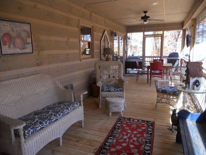 The screened in back deck with comfortable outdoor furniture. - Welcome to Deer Creek - Ellijay - rentals
